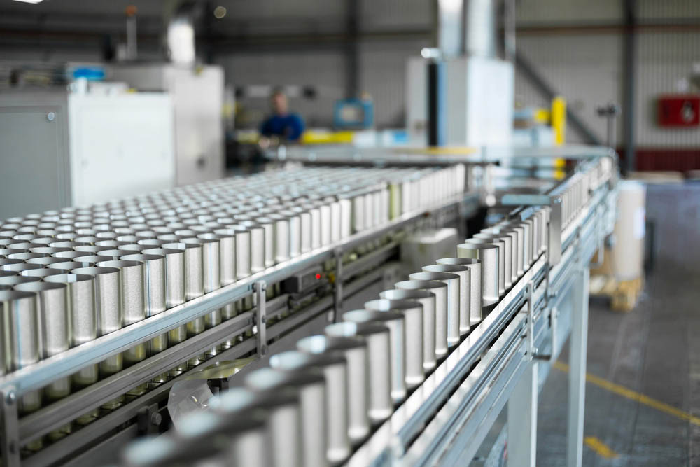 Khác với kiểu sản xuất thủ công của bột nghệ, tinh bột nghệ được tinh chế trên dây chuyền hiện đại