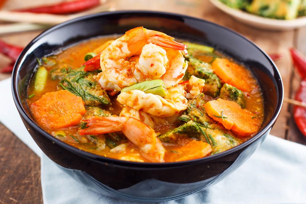 Ăn quá nhiều đồ ăn cay nông cũng làm tổn thương niêm mạc dạ dày, dẫn đến viêm loét dạ dày.