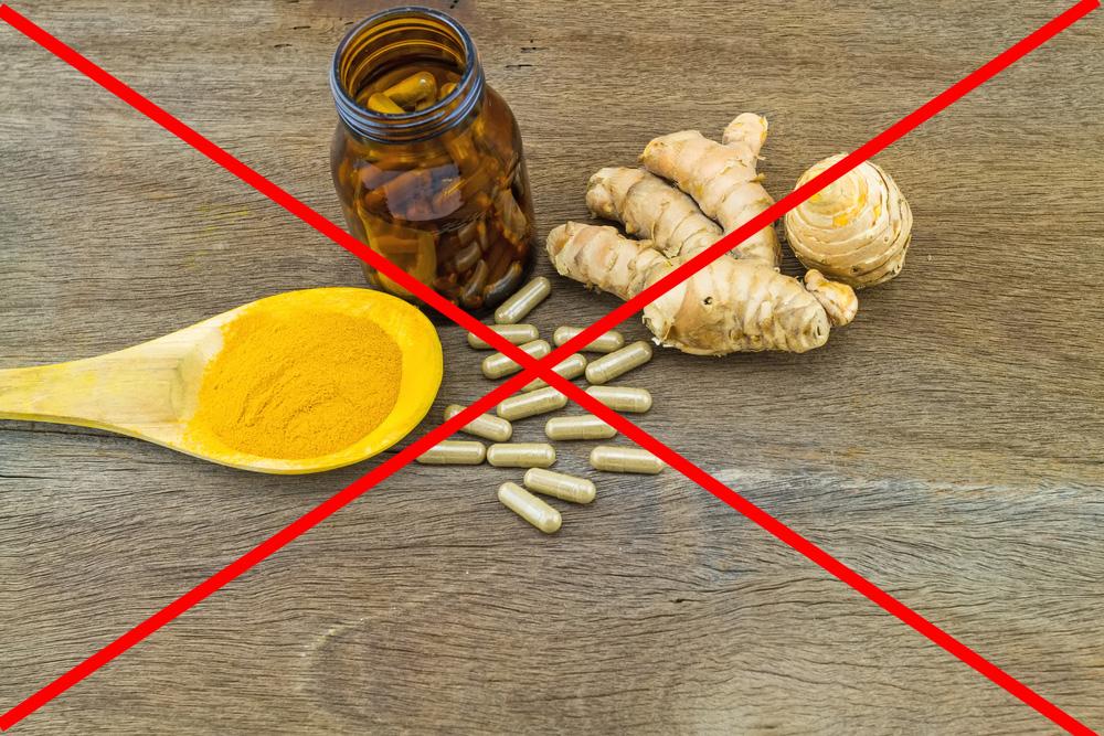 Tuyệt đối không được uống tinh bột nghệ trong khi đang dùng thuốc tây