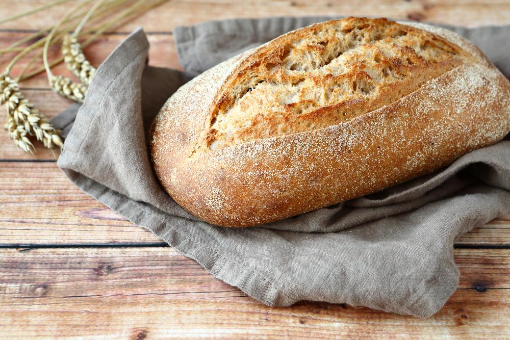 Bánh mỳ là thực phẩm khuyên dùng cho người bệnh trào ngược dạ dày thực quản