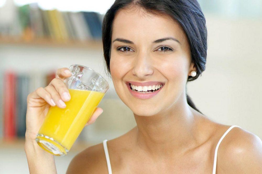 Uống tinh bột nghệ mỗi ngày sẽ giúp chị em lấy lại làn da căng mịn nhanh chóng