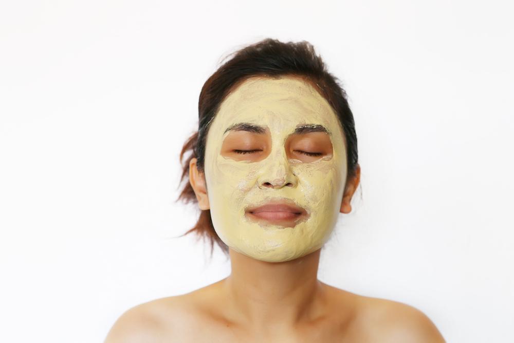 Sự kết hợp giữa tinh bột nghệ và sữa tươi sẽ tạo ra một loại mặt nạ hoàn hảo cho làn da