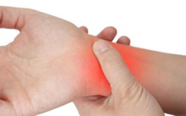 Ngoài tác dụng điều trị dạ dày, tinh bột nghệ còn giúp giảm đau, kháng viêm