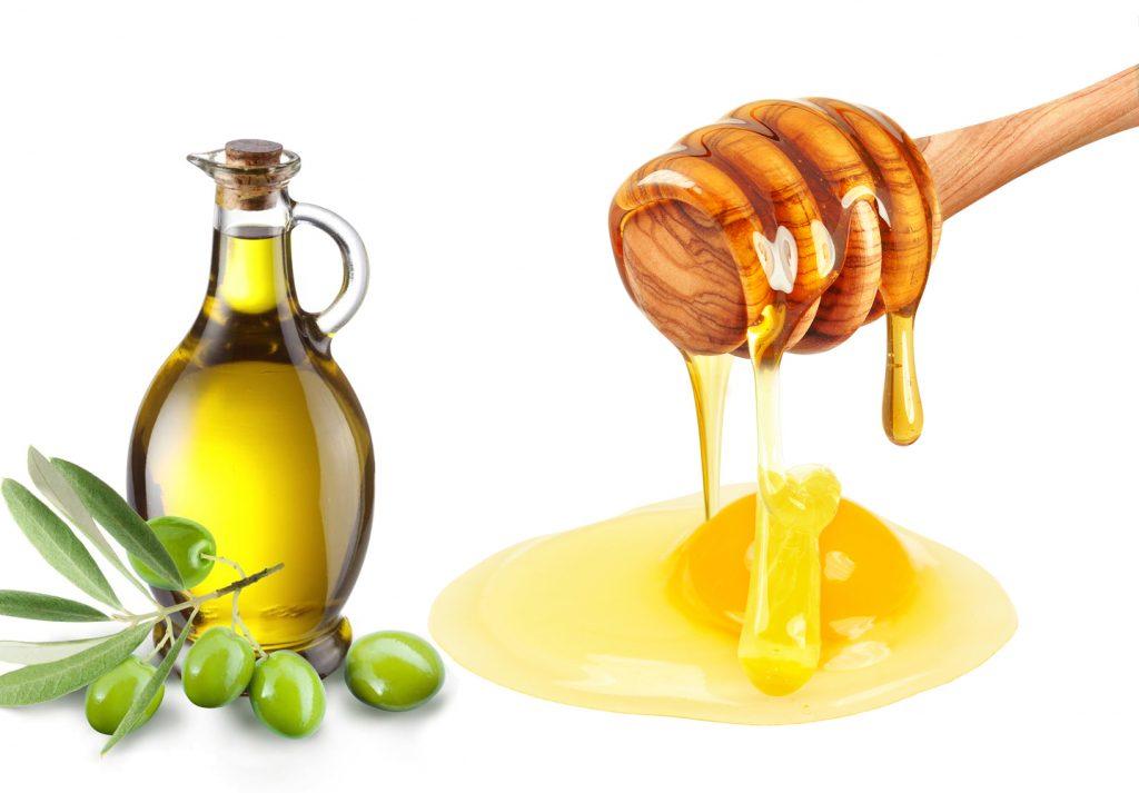 Lòng đỏ trứng gà, mật ong và dầu oliu tạo thành mặt nạ trị nám cực tốt