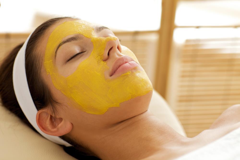 Tinh bột nghệ đảm bảo an toàn cho làn da khi đắp mặt