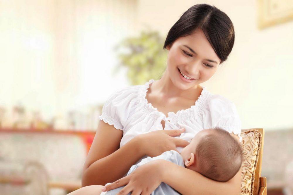Phụ nữ sau sinh nên uống mỗi ngày 2 ly tinh bột nghệ để phục hồi sức khỏe