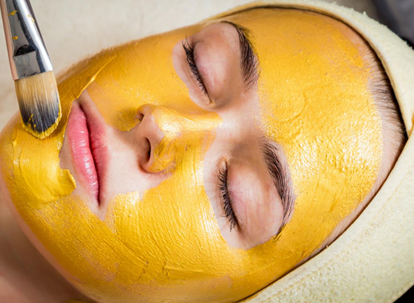 Mặt nạ tinh bột nghệ giúp da sạch mụn, sạch nám, sáng khỏe và mịn màng